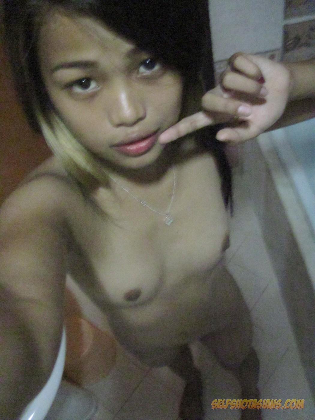 Very young teen girls nude self shots